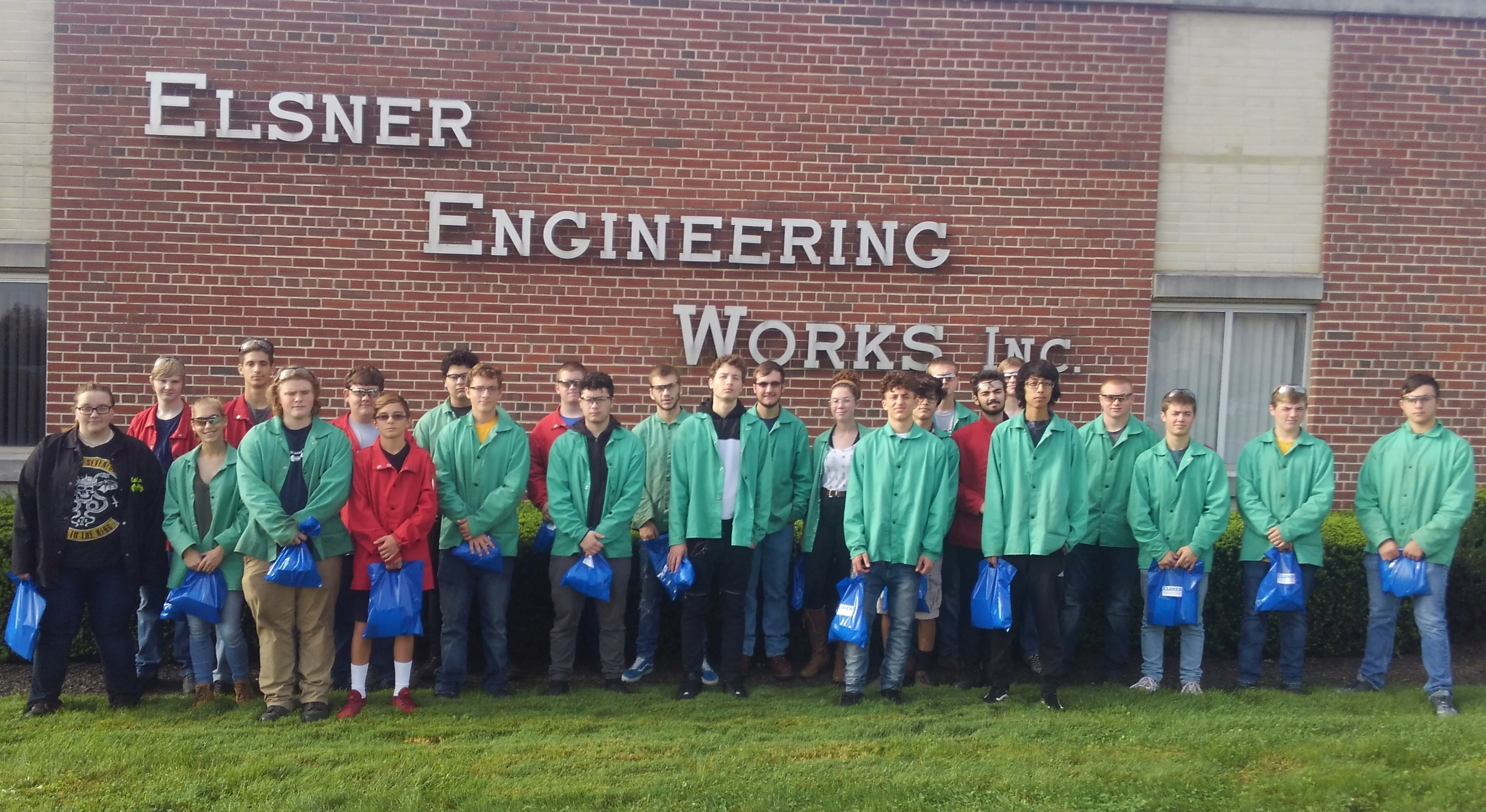 manufacturing day hhs group photo